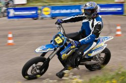 129-Supermoto-Training-Freiburg-Prominenten-Charity-2011-3567