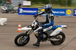 130-Supermoto-Training-Freiburg-Prominenten-Charity-2011-3572