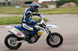 139-Supermoto-Training-Freiburg-Prominenten-Charity-2011-3598
