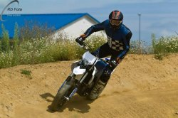 173-Supermoto-Training-Freiburg-Prominenten-Charity-2011-6230